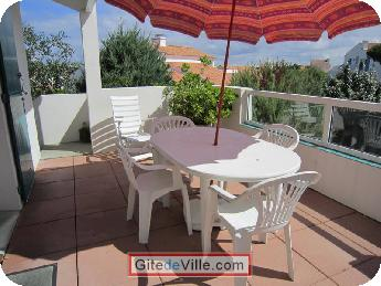 Self Catering Vacation Rental Chateau_d_Olonne 3