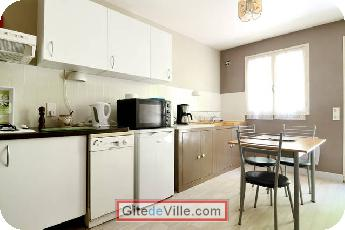 Self Catering Vacation Rental Chateauneuf_le_Rouge 5