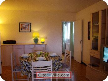 Self Catering Vacation Rental Oullins 1
