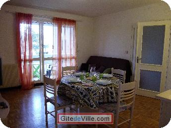 Self Catering Vacation Rental Oullins 10