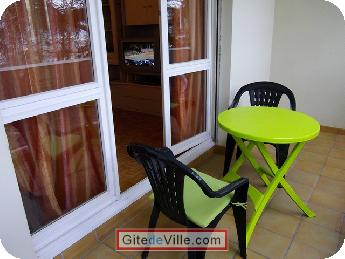 Self Catering Vacation Rental Oullins 7