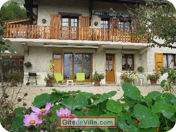 Self Catering Vacation Rental Claix 9