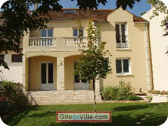 Self Catering Vacation Rental Houilles 8