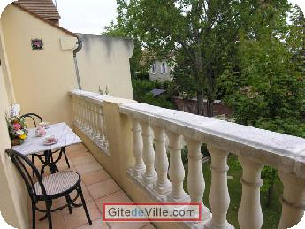 Self Catering Vacation Rental Houilles 3
