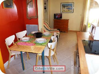 Self Catering Vacation Rental Reze 2