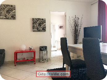 Self Catering Vacation Rental Decines_Charpieu 3