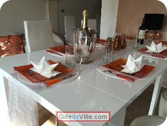 Self Catering Vacation Rental Bobigny 4