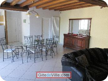 Self Catering Vacation Rental La_Chapelle_Saint_Martin_en_Plaine 4